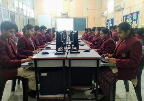 Hansraj Model School